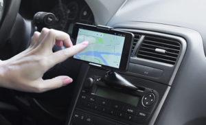 Держатели для телефонов и смартфонов в автомобиль