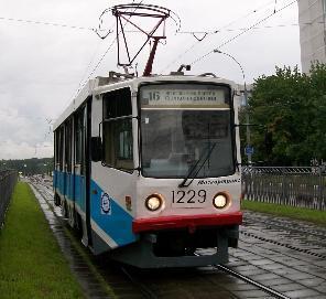 Можно ли ездить по трамвайным путям