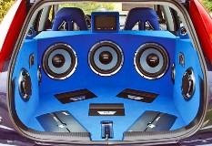 Как подключить колонки к усилителю в машине, выбрать акустику с хорошим басом?